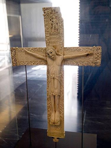 CRISTOS ROMANICOS 1-1_zps9b00f931