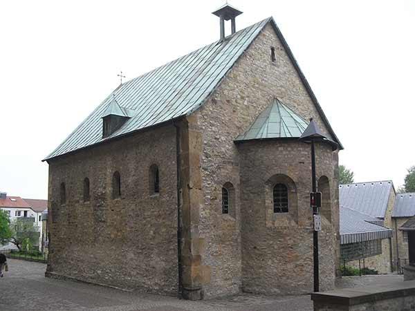 EL ROMÁNICO EN SU CONTEXTO HISTÓRICO - Página 2 San-Bartolome-de-Paderborn-1_zps7d3cf293
