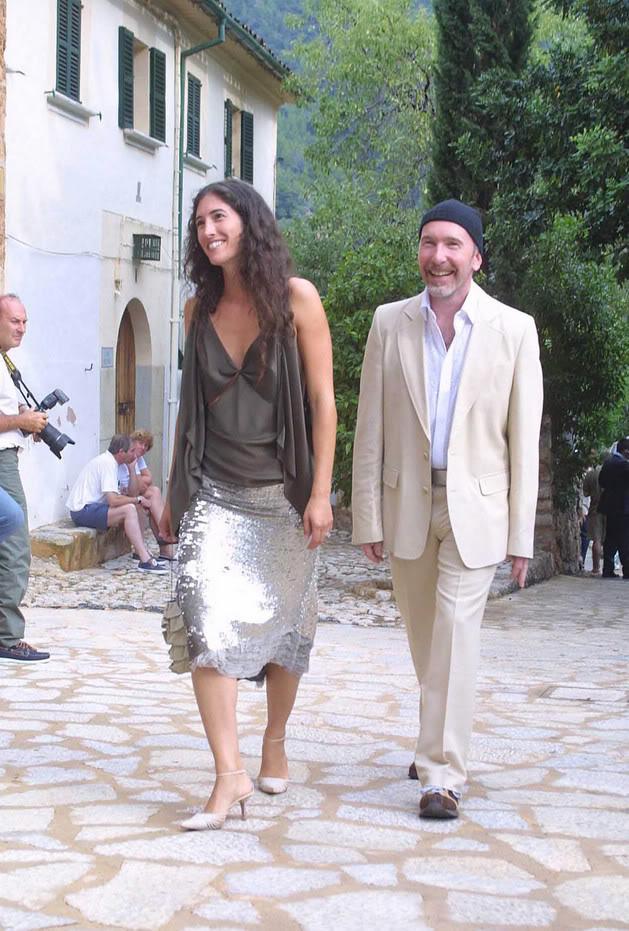 Bono, dressed up like a car crash? - Pagina 22 039159603zx