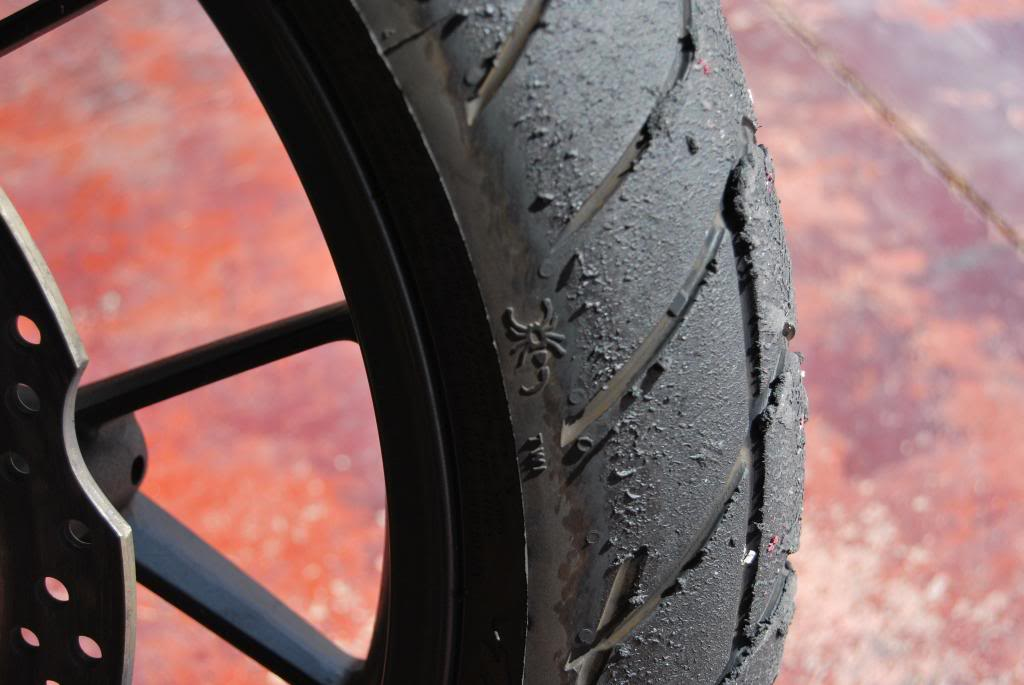 El hilo de los neumáticos.... - Página 2 DSC_0024_zps7ab9b00b