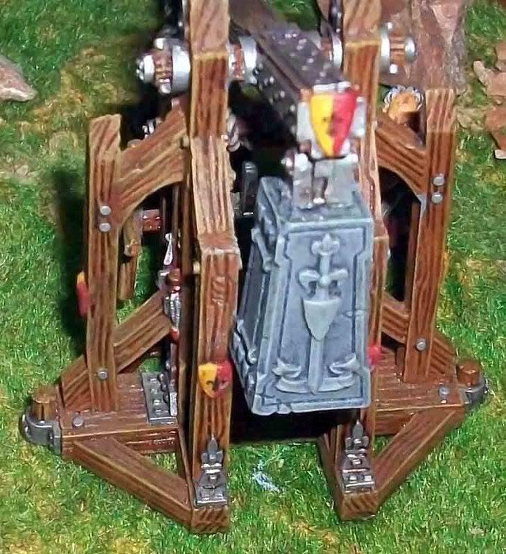 Warhammer  - Bretonnian Field Trebuchet  100_3281