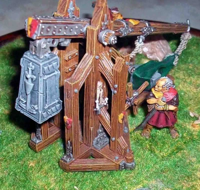 Warhammer  - Bretonnian Field Trebuchet  100_3298
