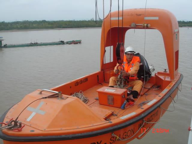 Hình ảnh hạ xuồng cấp cứu DSC06814