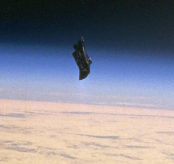 """Drevni satelit """" Black Knight """" 9b2addb2"""