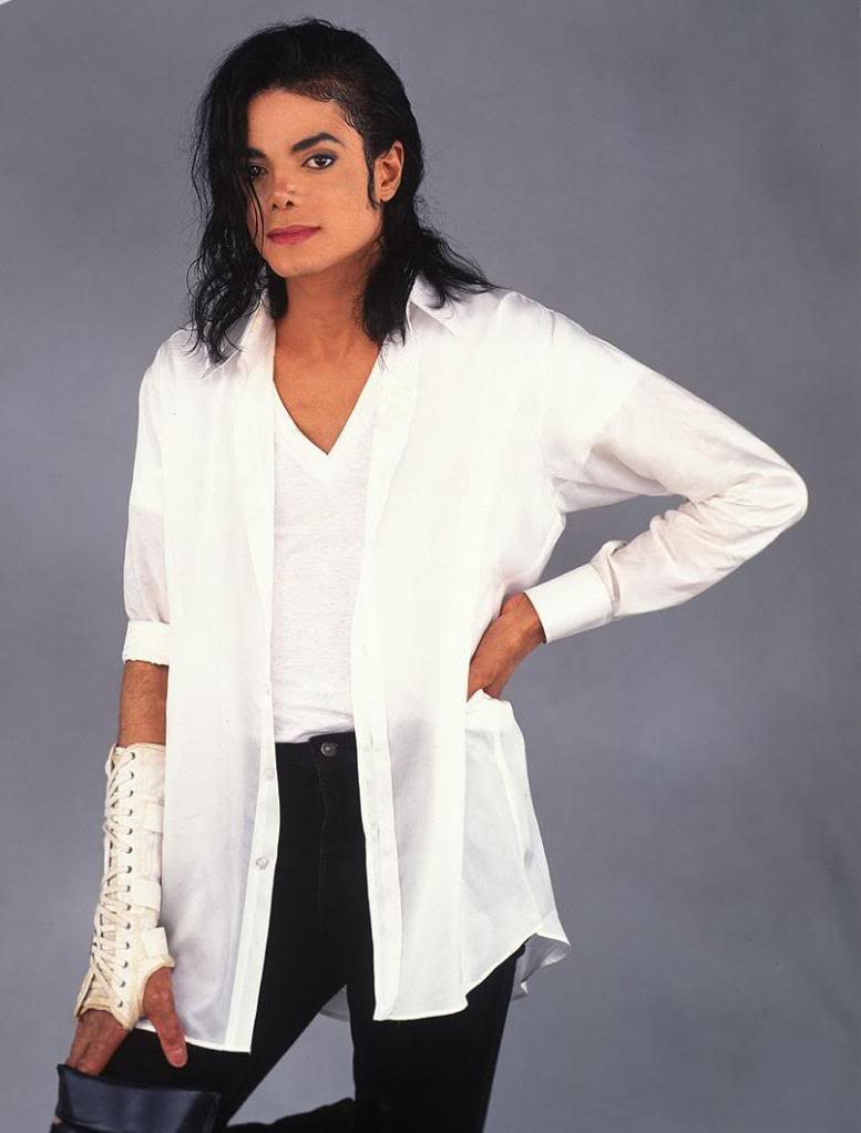 Pictures of MJ - Page 4 Good-Knight-michael-jackson-1091581