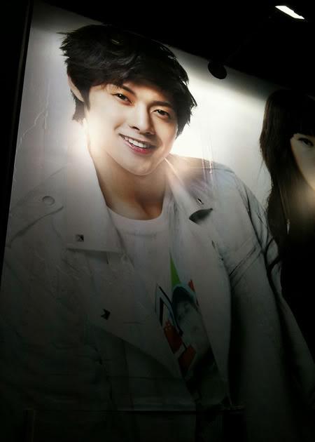 """Kim Hyun Joong promocionando ropa de """"Basic House"""" - Fotos de la tienda y de las ropas. HJL_basichouse003"""