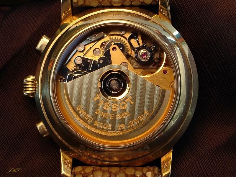 Feu des plus belles montres à lunettes guillochées DSC08728