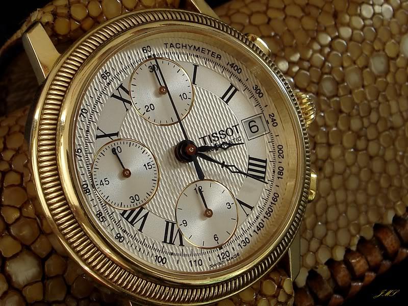 Feu des plus belles montres à lunettes guillochées DSC08779