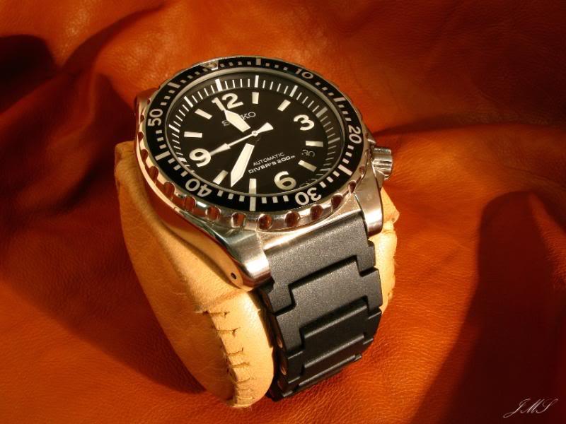 Bracelet caoutchouc articulé IMG_3912