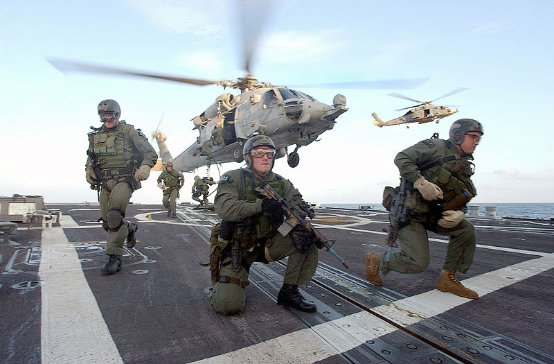 SEAL ( United States Navy Sea, Air and Land ) -US_Navy_SEALS_fast_rope