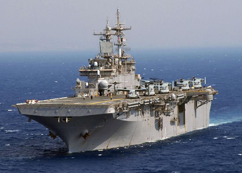 ¿ Un ARA portahelos o portaaviones ? USS_Wasp_LHD-1