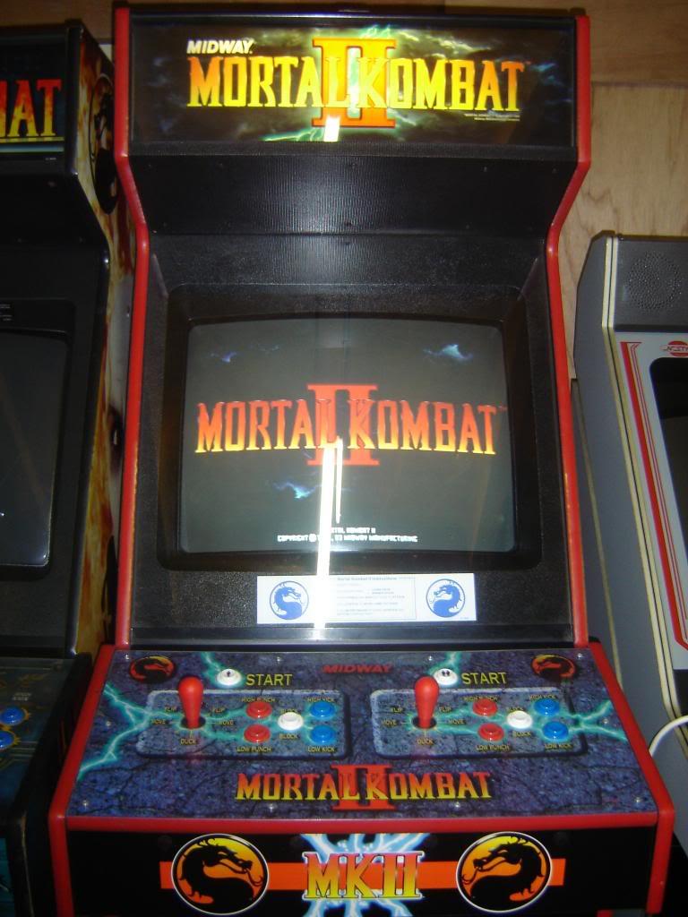 [VDS] Mortal Kombat 1 - 2 - 3 - 4 arcade cabinets DSC02010