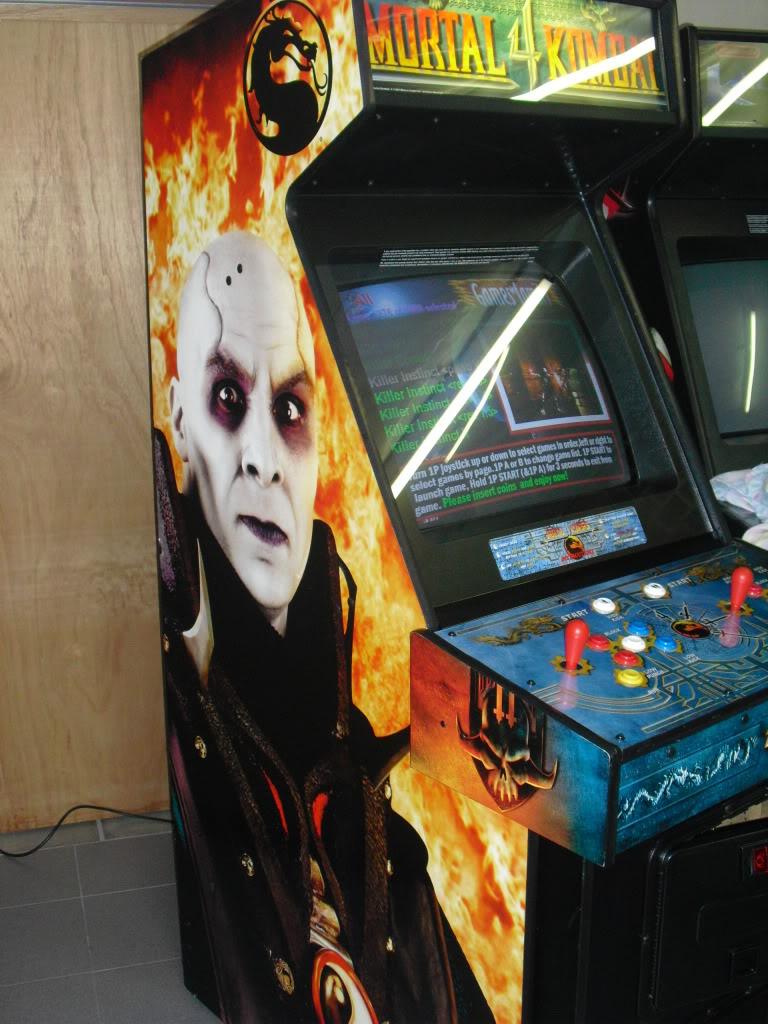 [VENDU] Mortal Kombat 4 -dedicated- Multigame 3033 in one MK4_left-1