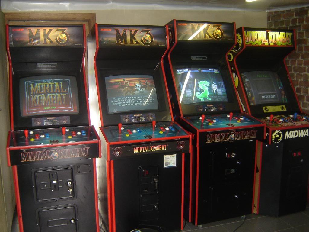 [VDS] Mortal Kombat 1 - 2 - 3 - 4 arcade cabinets DSC01998