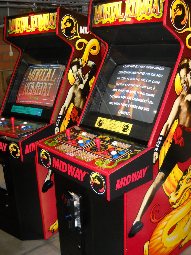 [SOLD] Mortal Kombat 1 ded arcade -2 pieces- MK1_2piece_right