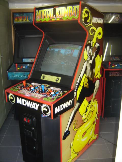 [VDS] Mortal Kombat 1 - 2 - 3 - 4 arcade cabinets MK1_side1_