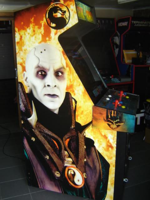[VDS] Mortal Kombat 1 - 2 - 3 - 4 arcade cabinets MK4_side1_