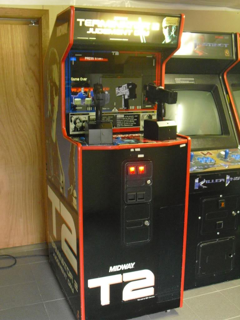 [VENDU] Terminator 2 arcade shooter T2front