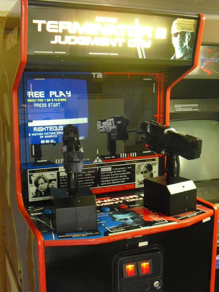 [VENDU] Terminator 2 arcade shooter T2guns