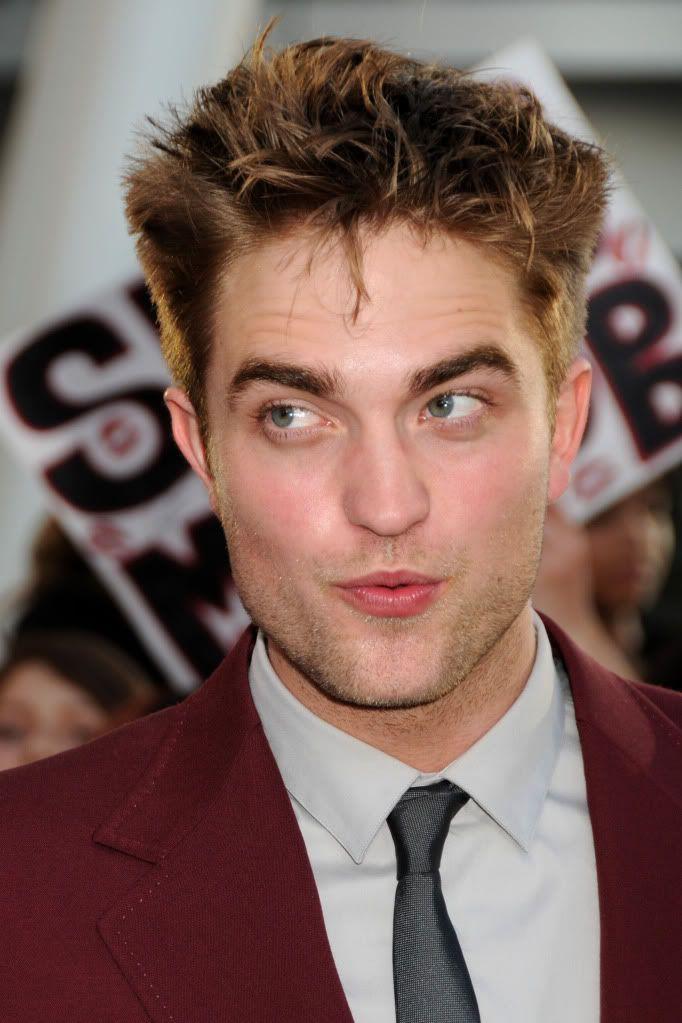 Robert Pattinson, semplicemente ROB - Pagina 5 RobertPattinsonatEclipsePremiere-1