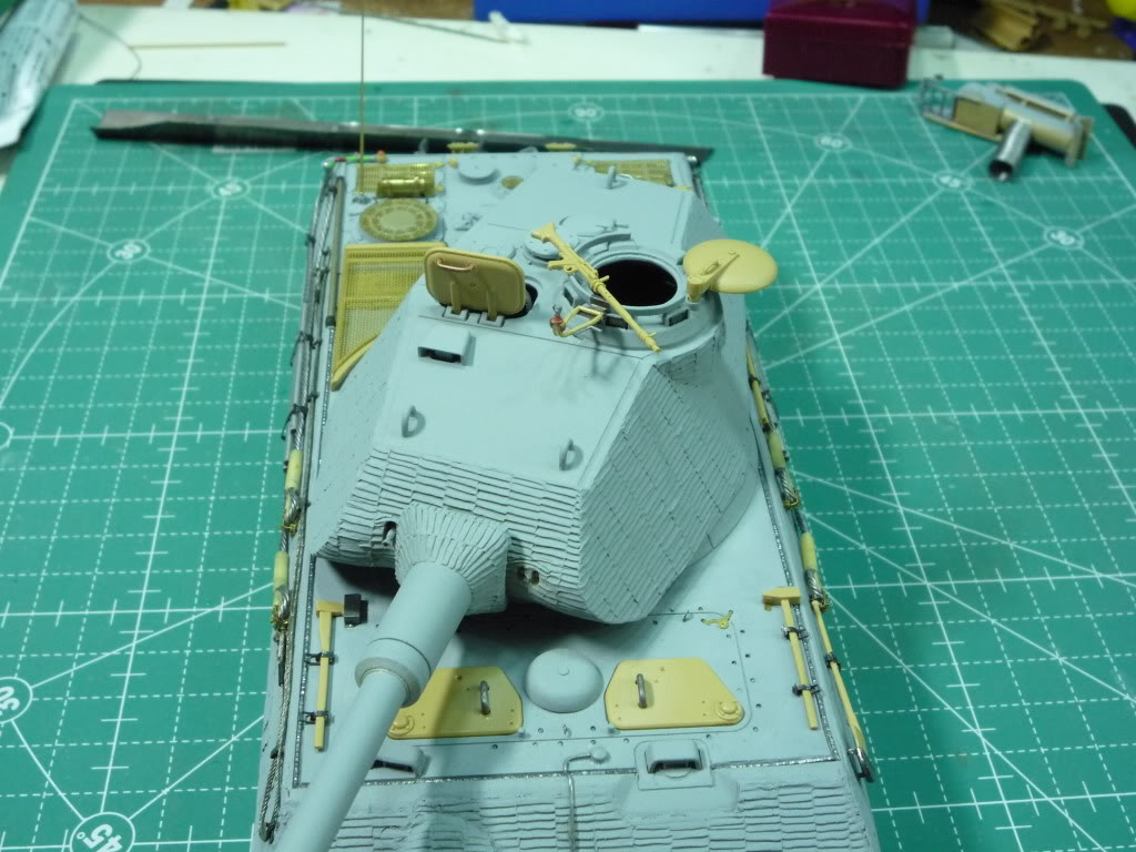 King Tiger Ausf B Late Early to Mid Production Feb to April 1944 P1010081