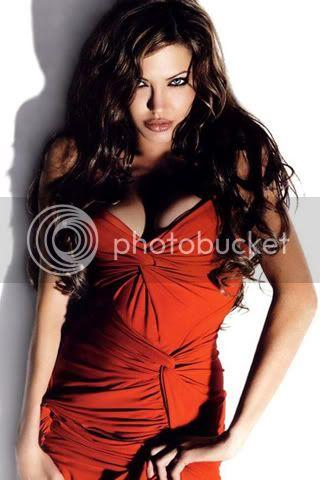 Roxanne Alexandra Hart Angelina-Jolie