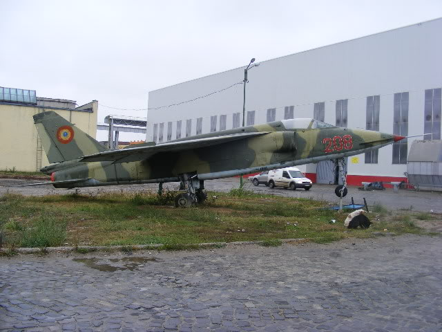 Aeronave expuse in tara - Pagina 2 DSCF2486