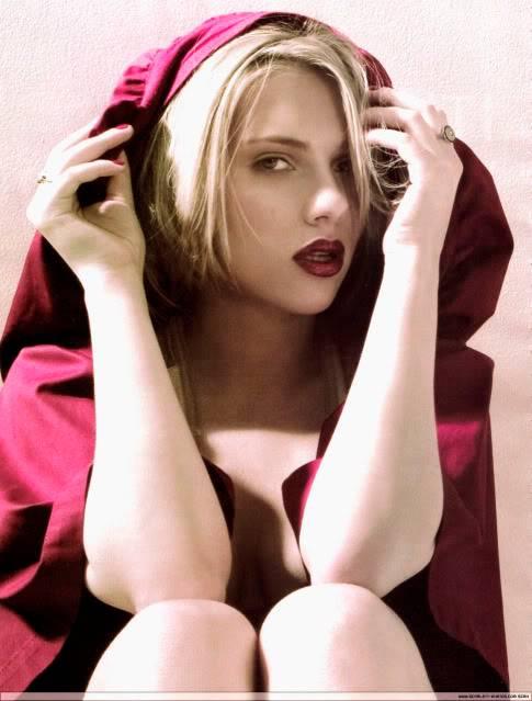 Scarlett  Johansson  - Page 5 Scarle1