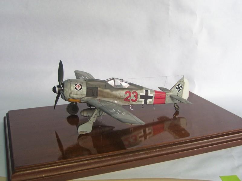 Focke Wulf 190 A-7, Rot 23 Heinz Bar (Dragon 1/48). HeinzBarRot23%201