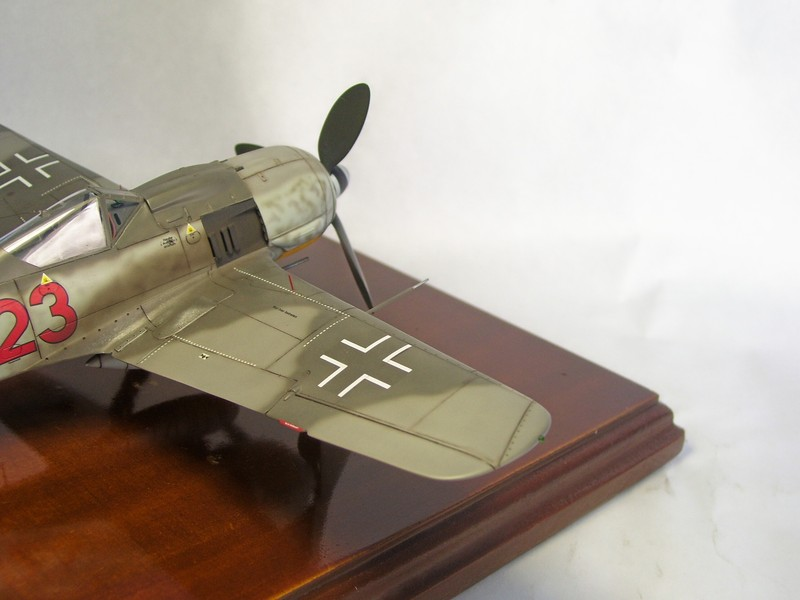 Focke Wulf 190 A-7, Rot 23 Heinz Bar (Dragon 1/48). HeinzBarRot23%2012