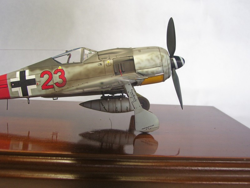 Focke Wulf 190 A-7, Rot 23 Heinz Bar (Dragon 1/48). HeinzBarRot23%2013