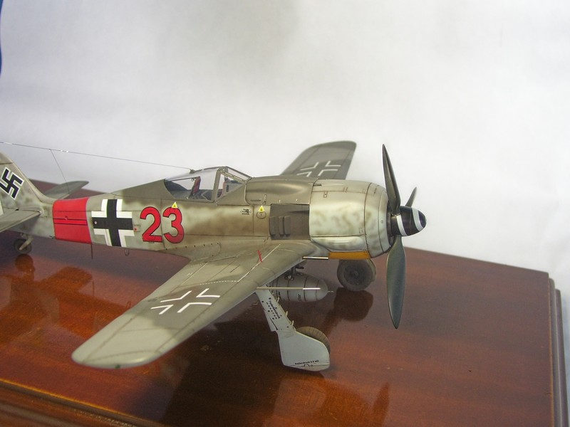 Focke Wulf 190 A-7, Rot 23 Heinz Bar (Dragon 1/48). HeinzBarRot23%2014