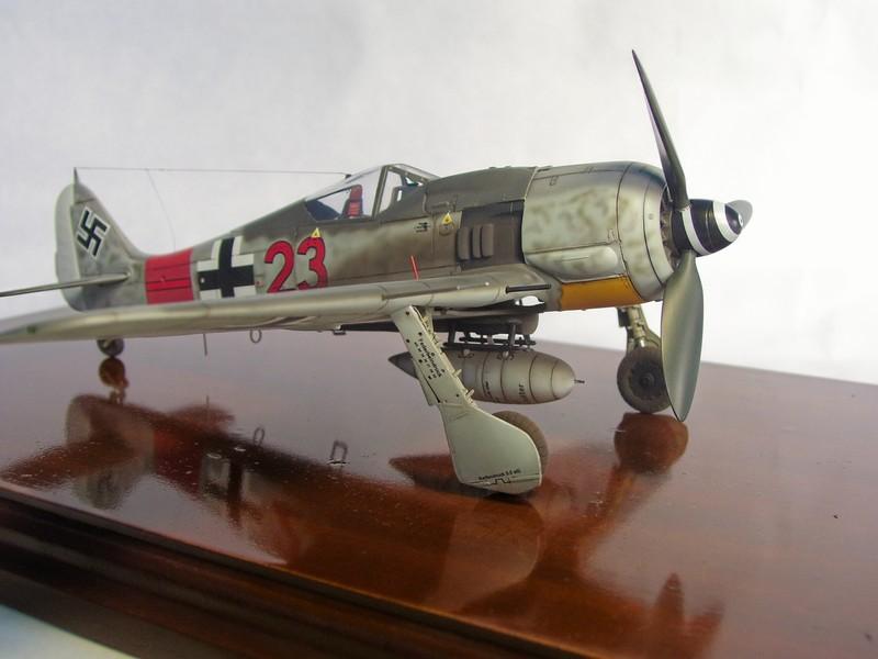 Focke Wulf 190 A-7, Rot 23 Heinz Bar (Dragon 1/48). HeinzBarRot23%2016