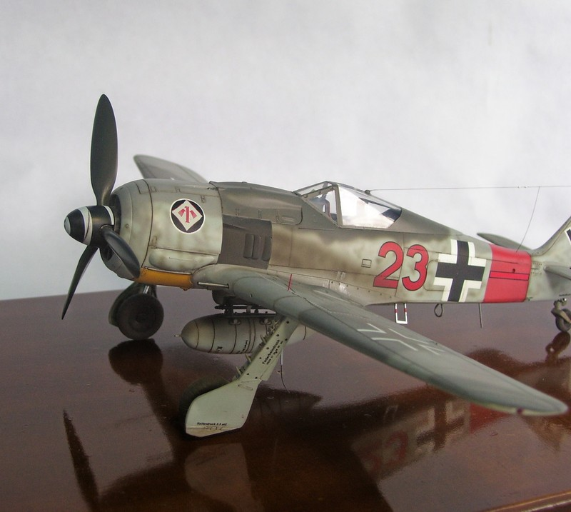 Focke Wulf 190 A-7, Rot 23 Heinz Bar (Dragon 1/48). HeinzBarRot23%202