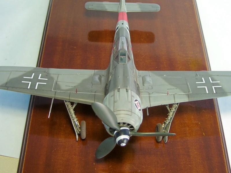 Focke Wulf 190 A-7, Rot 23 Heinz Bar (Dragon 1/48). HeinzBarRot23%2020