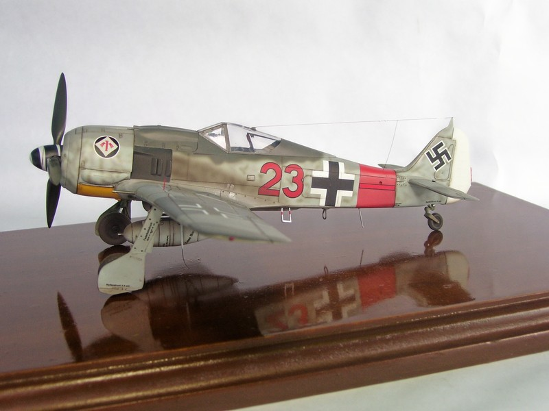 Focke Wulf 190 A-7, Rot 23 Heinz Bar (Dragon 1/48). HeinzBarRot23%203