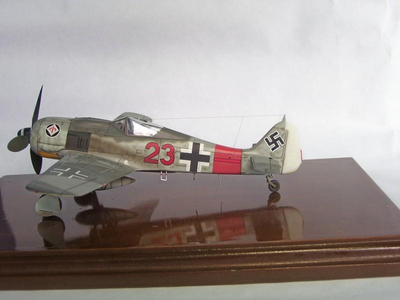 Focke Wulf 190 A-7, Rot 23 Heinz Bar (Dragon 1/48). HeinzBarRot23%204
