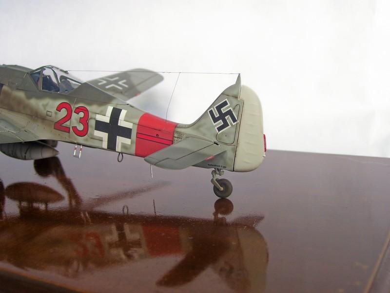 Focke Wulf 190 A-7, Rot 23 Heinz Bar (Dragon 1/48). HeinzBarRot23%206