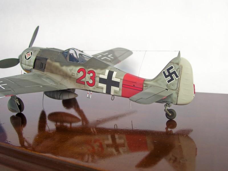 Focke Wulf 190 A-7, Rot 23 Heinz Bar (Dragon 1/48). HeinzBarRot23%207