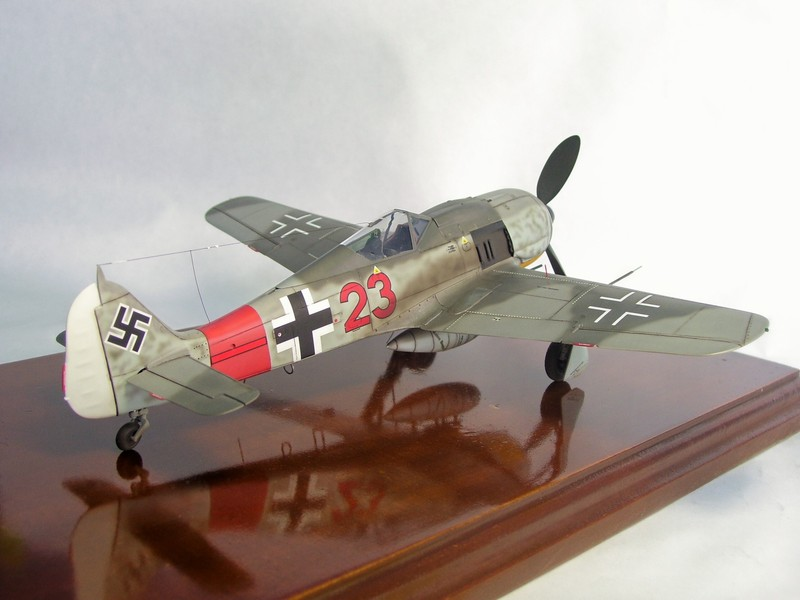 Focke Wulf 190 A-7, Rot 23 Heinz Bar (Dragon 1/48). HeinzBarRot23%209
