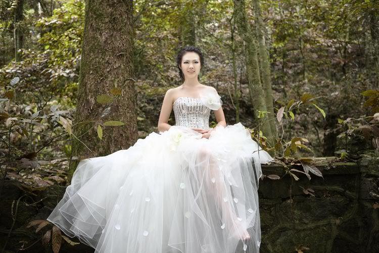 6 điều cần biết khi chọn váy cưới 1280458658-23