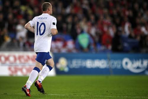 Ngoại hạng Anh trước vòng 4: Tâm điểm Rooney 1284078609-bong-da-roo