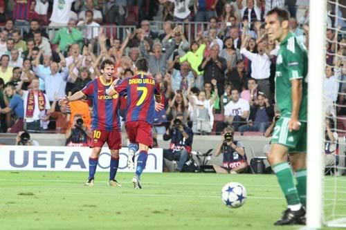 Champions League lượt đấu thứ nhất: Khi người khổng lồ tỉnh giấc 1284629294-bong-da-Barca