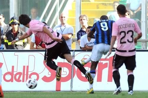 Serie A sau vòng 3: Thế cục hỗn loạn 1284968247-bong-da-inter