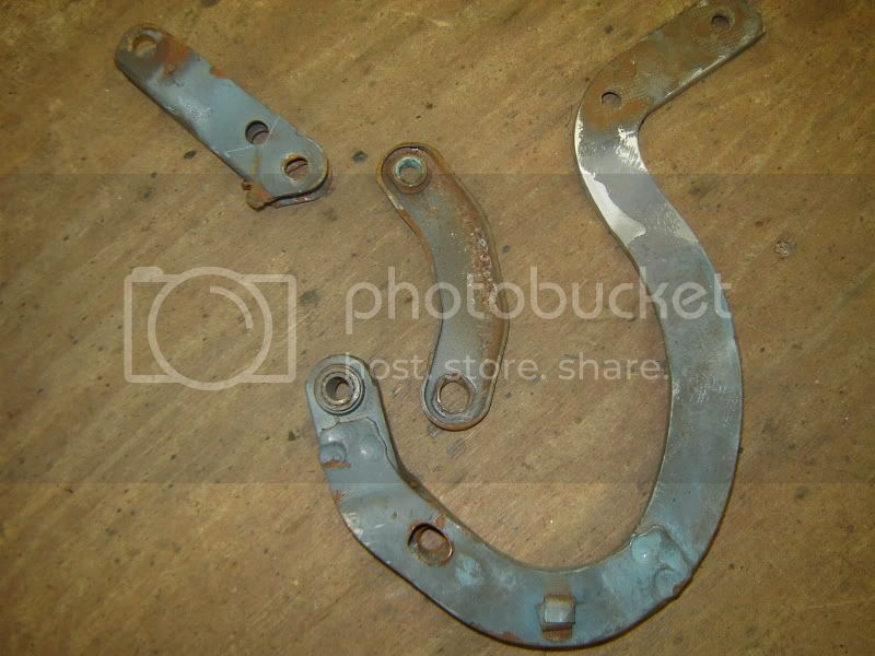 Bus Rear Hatch Spring/Hinge Removal 70Bus001-1