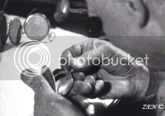 Voyage dans le temps avec des photos rares de 1925 Artisanchargdelaposedessecretsferme
