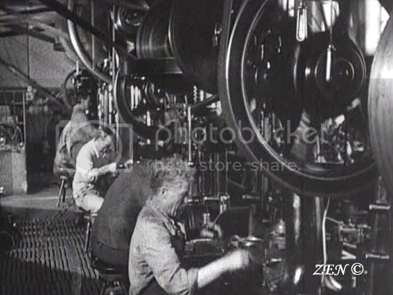 Voyage dans le temps avec des photos rares de 1925 Fabricationduboitierpartampagecopie