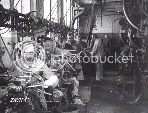 Voyage dans le temps avec des photos rares de 1925 Fabricationduboitiercopie