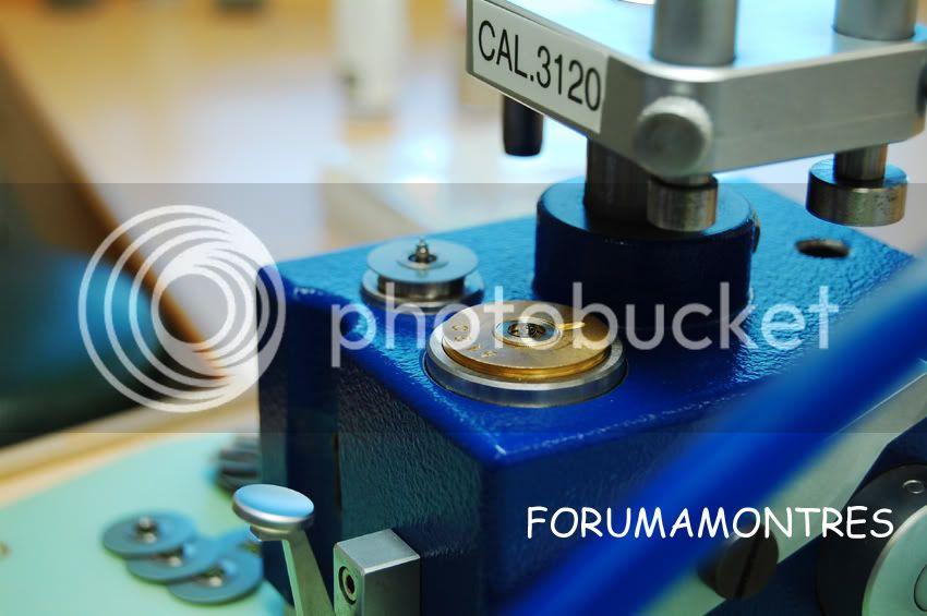 Avant première FAM  : Visite de la nouvelle manufacture Audemars Piguet Machineposerlesressortsdebarillets