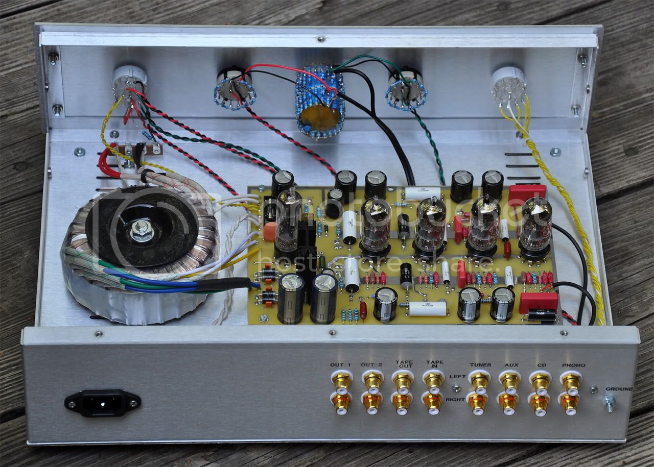 REVIEW - Tubes4hifi SP-8SE tube preamp KIT SP-8SEinteriorrear